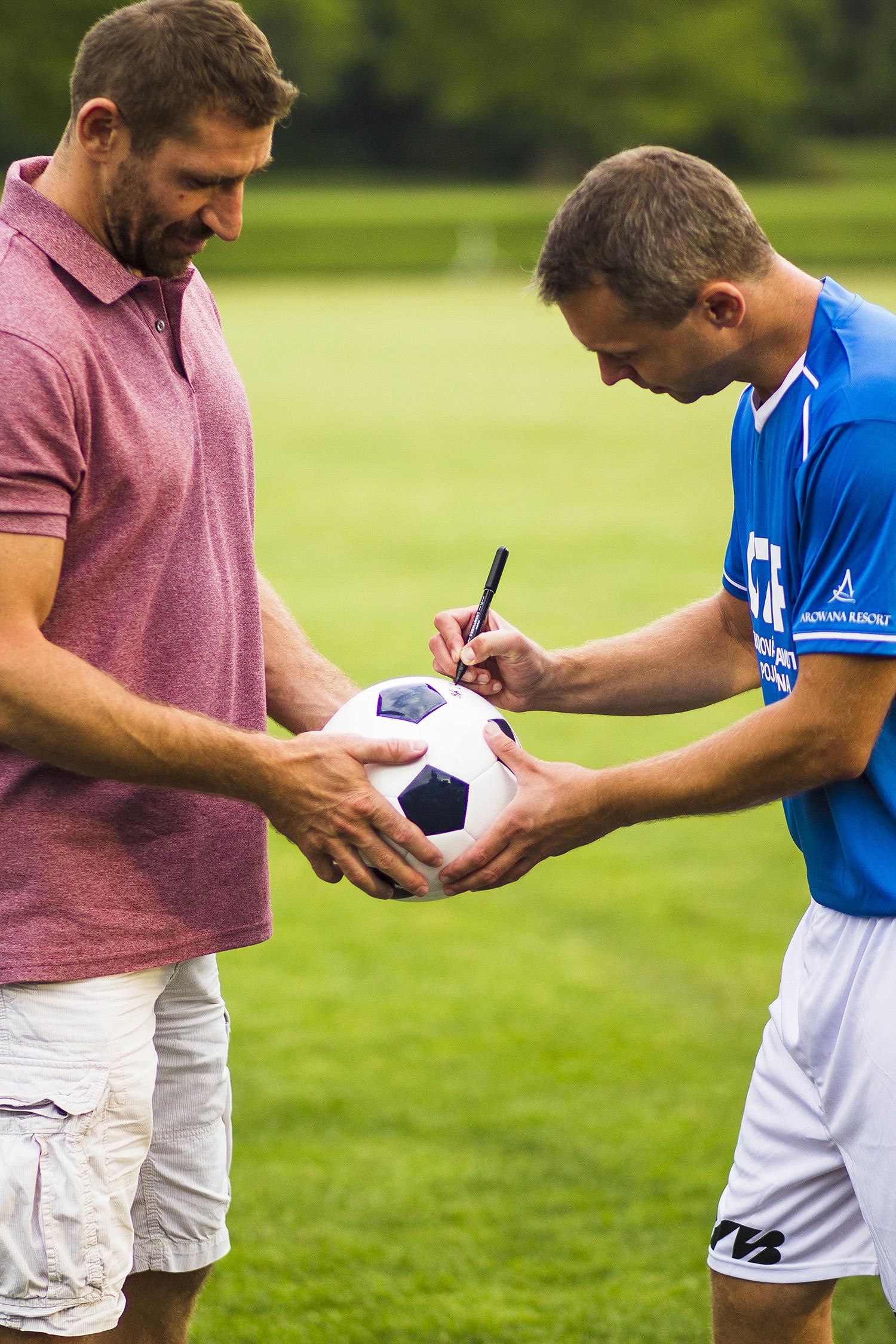 podpis míče