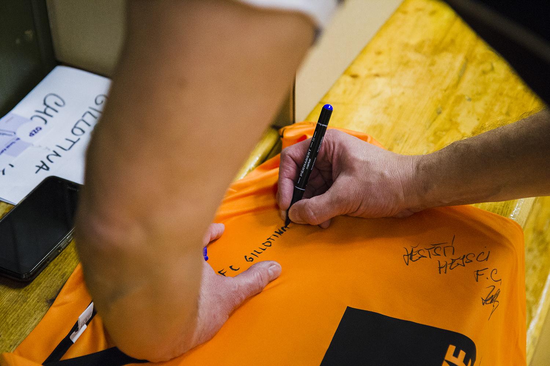 podpis na reklamní dres