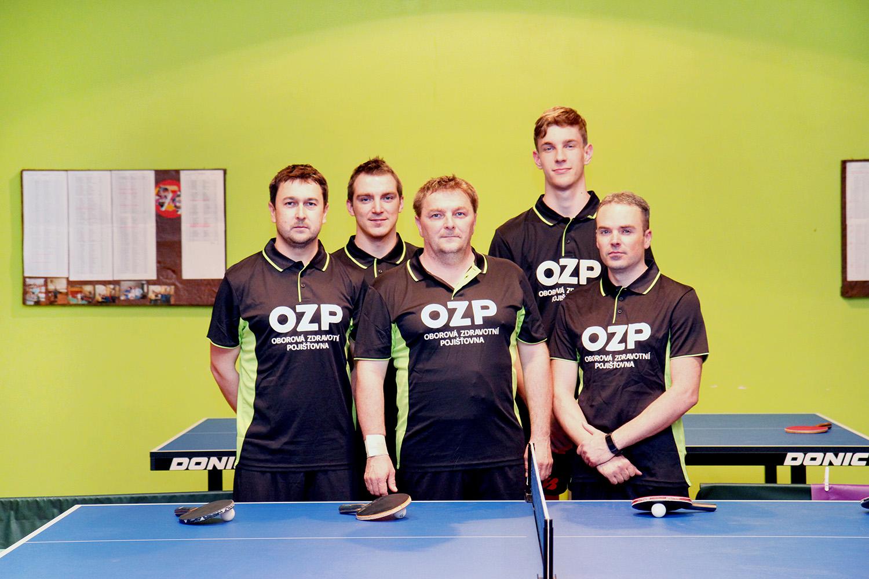 hráči stolního tenisu